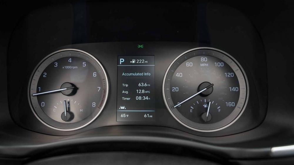 So sánh Hyundai Tucson 2019 mới và Hyundai Tucson 2018 về cụm đồng hồ lái a1