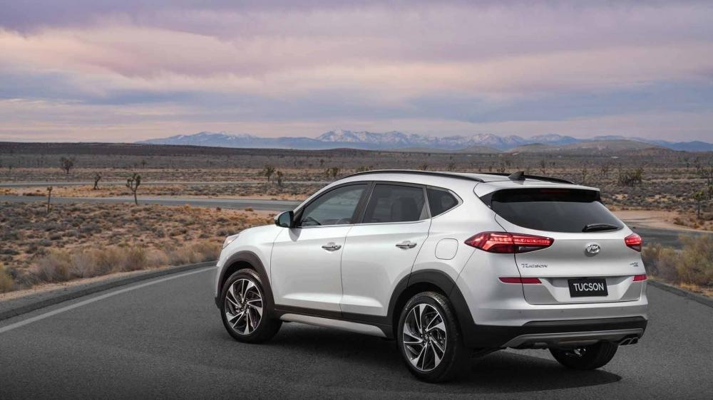So sánh Hyundai Tucson 2019 mới và Hyundai Tucson 2018 cũ về đuôi xe a5