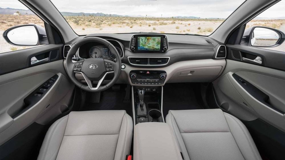 So sánh Hyundai Tucson 2019 mới và Hyundai Tucson 2018 cũ về nội thất a1