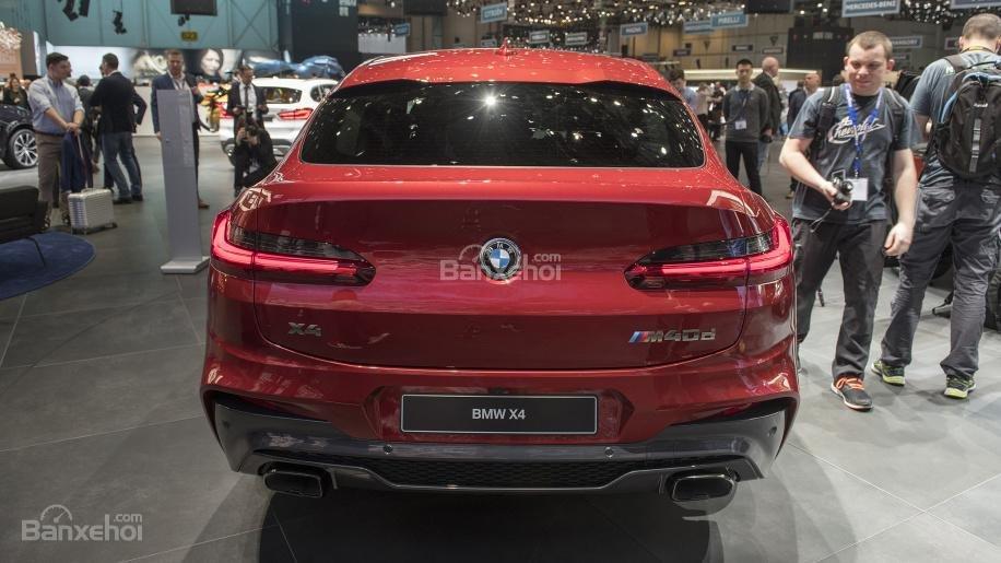 Đánh giá xe BMW X4 2019: Đuôi xe.