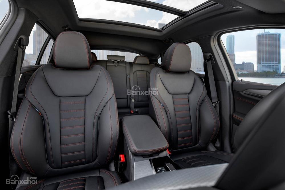 Đánh giá xe BMW X4 2019: Hàng ghế trước.