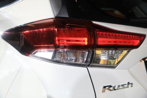 Đèn hậu Toyota Rush 2018 ..