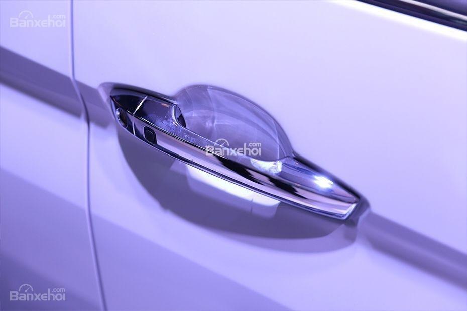 Tay nắm cửa Mitsubishi Xpander 2018.