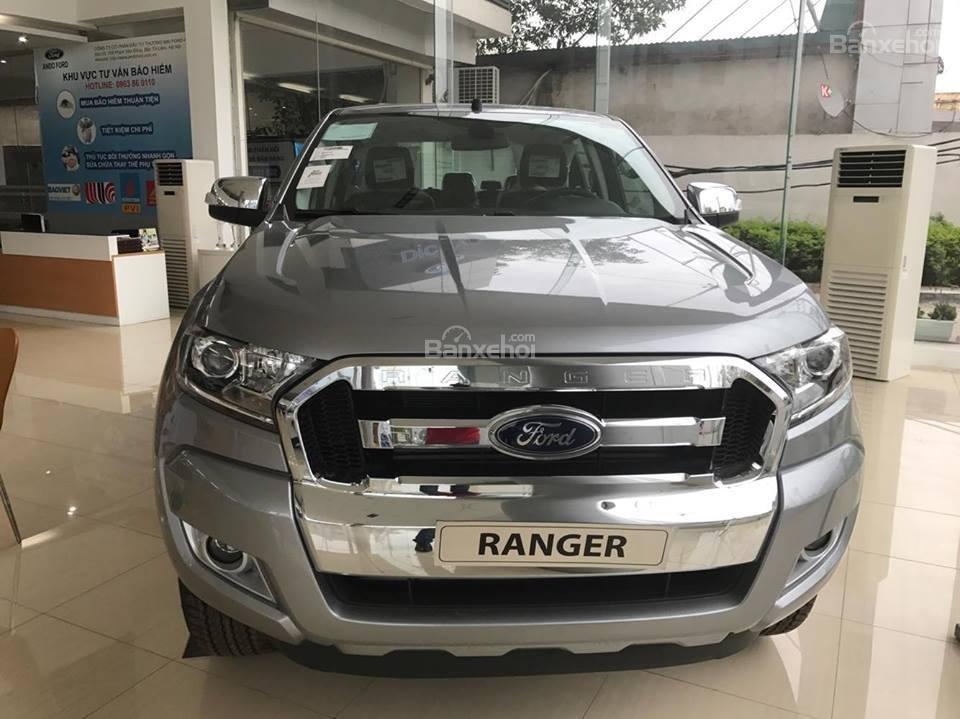 Bán xe Ford Ranger 2.2L XLS AT 4x2 năm 2018, màu bạc, nhập khẩu nguyên chiếc, giá tốt-1
