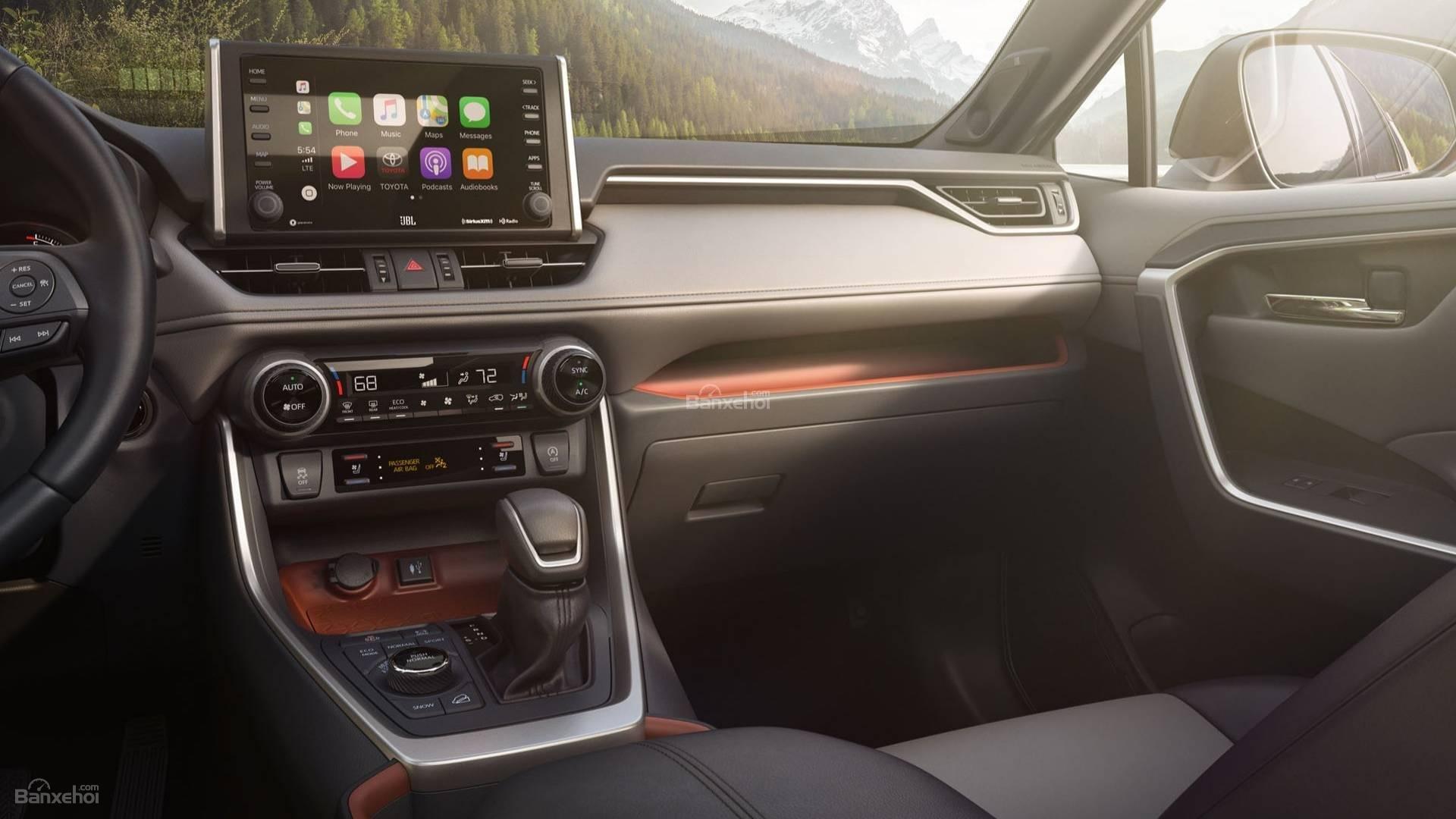 Đánh giá xe Toyota RAV4 2019 về trang bị tiện nghi: màn hình thông tin-giải trí 7 inch 2