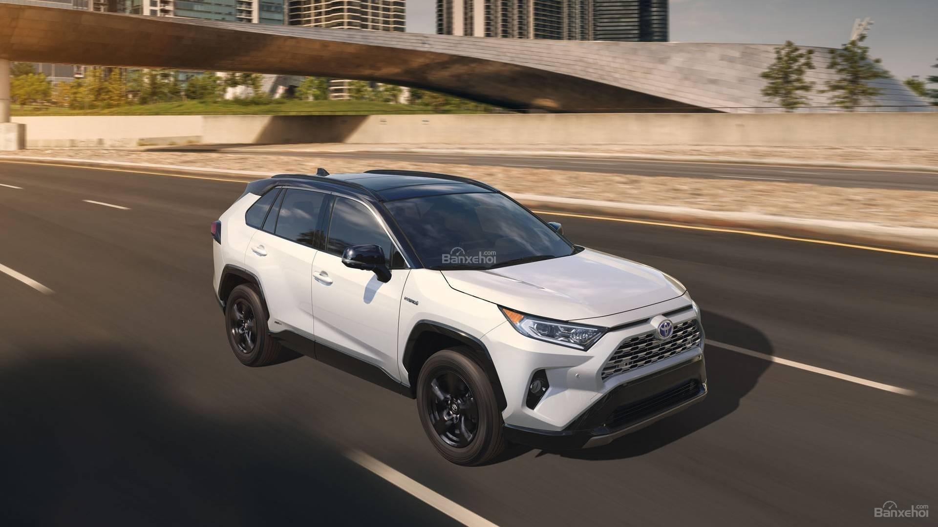 Đánh giá xe Toyota RAV4 2019 về trải nghiệm lái: nhẹ nhàng và thanh thoát 2
