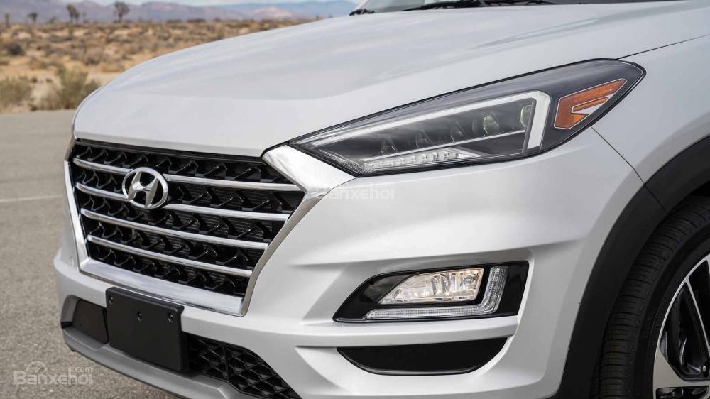 Đánh giá xe Hyundai Tucson 2019: Hệ thống đèn chiếu sáng phía trước 1