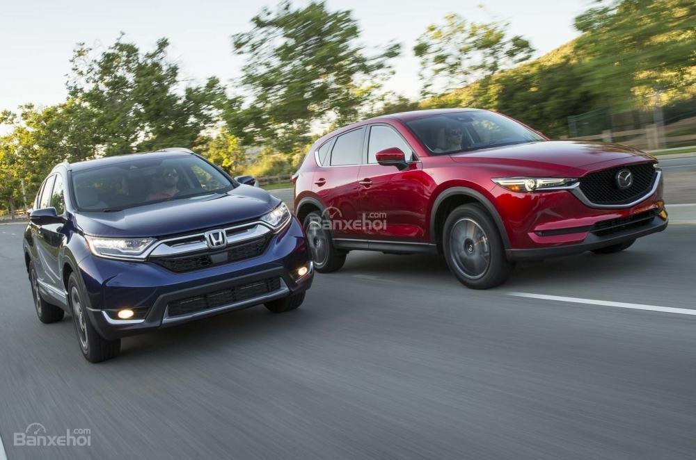 Đối thủ của Hyundai Tucson 2019 - Honda CR-V và Mazda CX-5.
