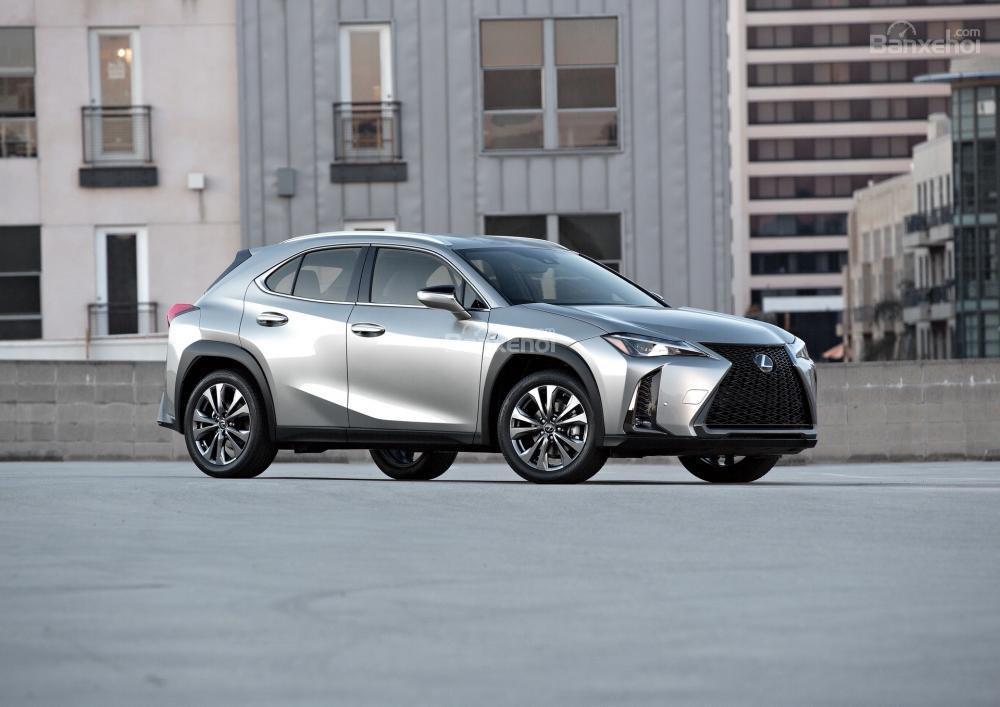 Giá xe Lexus UX dự kiến khởi điểm từ 30.000 USD (681 triệu đồng) tại thị trường Mỹ.
