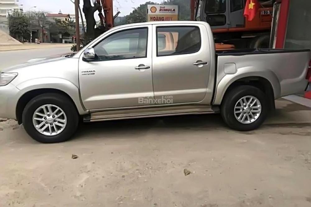 Xe Toyota Hilux 2.5E 2013, màu bạc, nhập khẩu Thái như mới, giá cạnh tranh-0