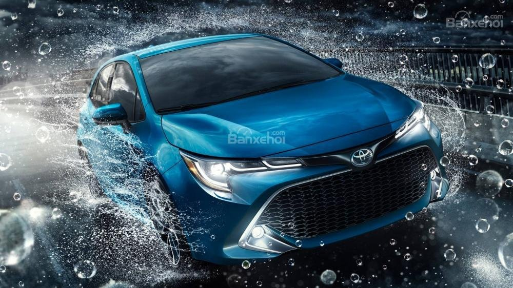 Đầu xe Toyota Corolla Hatchback 2019.