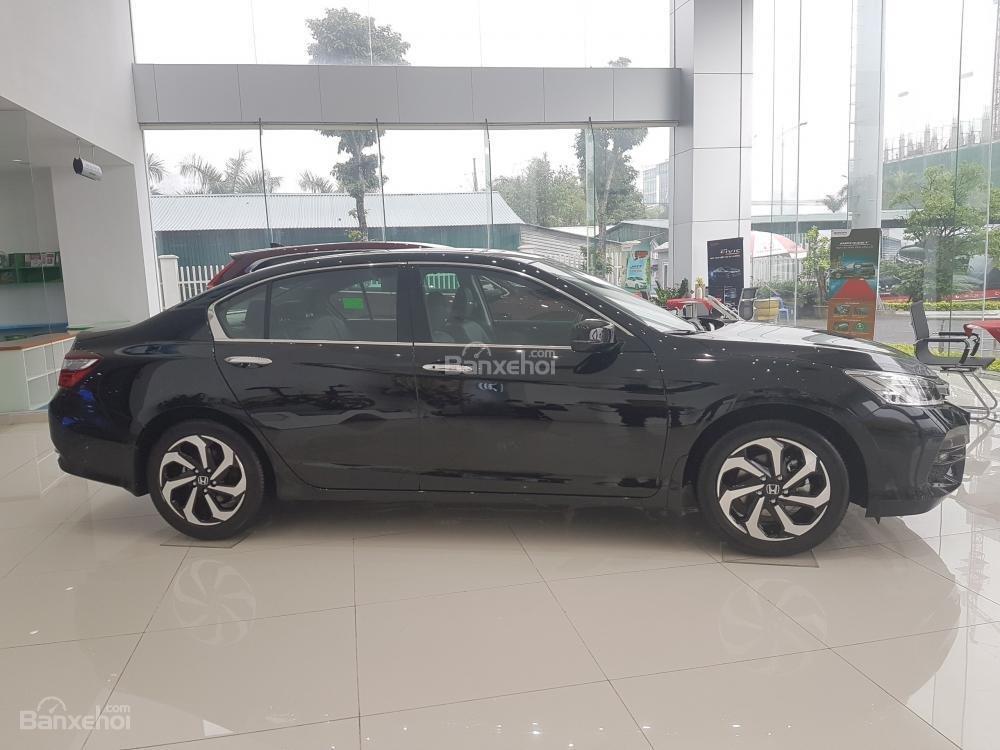 Honda Accord đời 2018- Honda ô tô Bắc Ninh, màu đen, xe nhập (2)