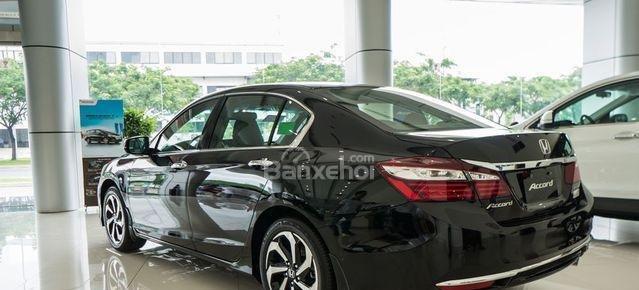 Honda Accord đời 2018- Honda ô tô Bắc Ninh, màu đen, xe nhập (12)