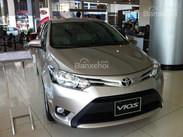 Cần bán Toyota Vios 1.5G AT đời 2017, màu vàng cát, 565 triệu (2)