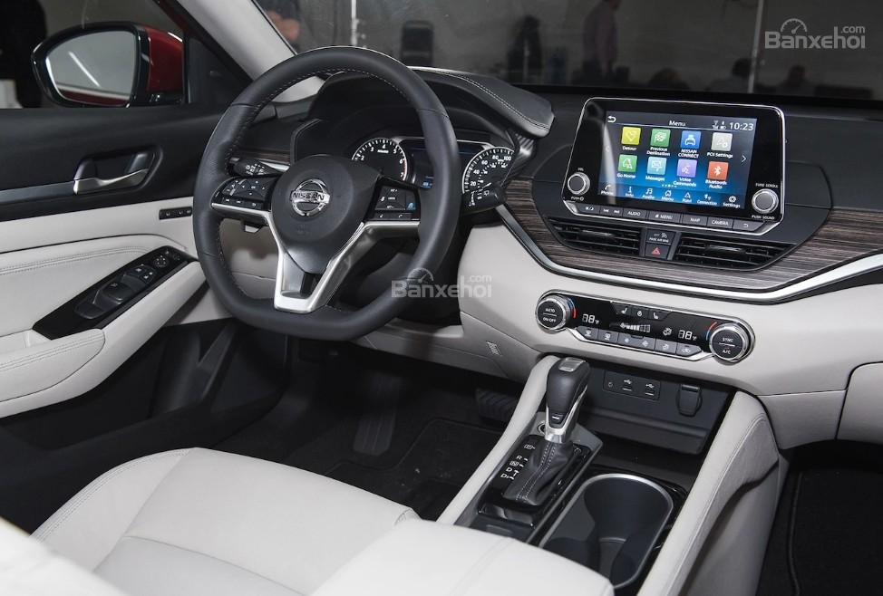 Đánh giá xe Nissan Altima 2019: Nội thất xe.