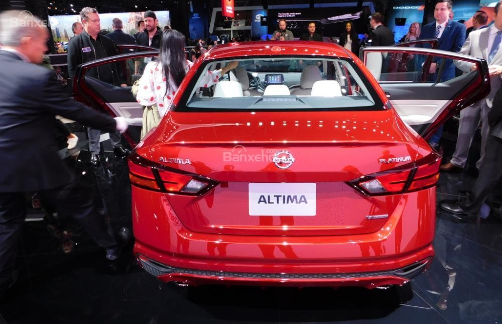 Đánh giá xe Nissan Altima 2019: Thông số khoang hành lý chưa được công bố.