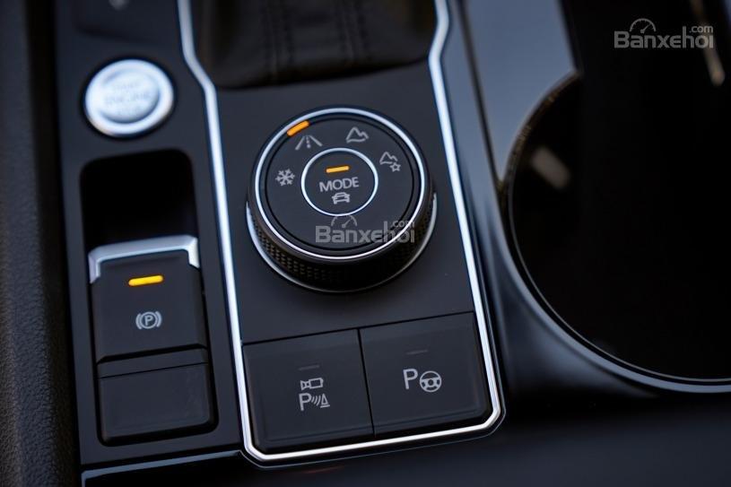 Đánh giá xe Volkswagen Atlas 2018: Núm chuyển chế độ lái 2
