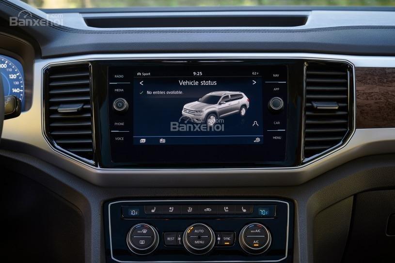 Đánh giá xe Volkswagen Atlas 2018: Màn cảm ứng 6,5 inch 2