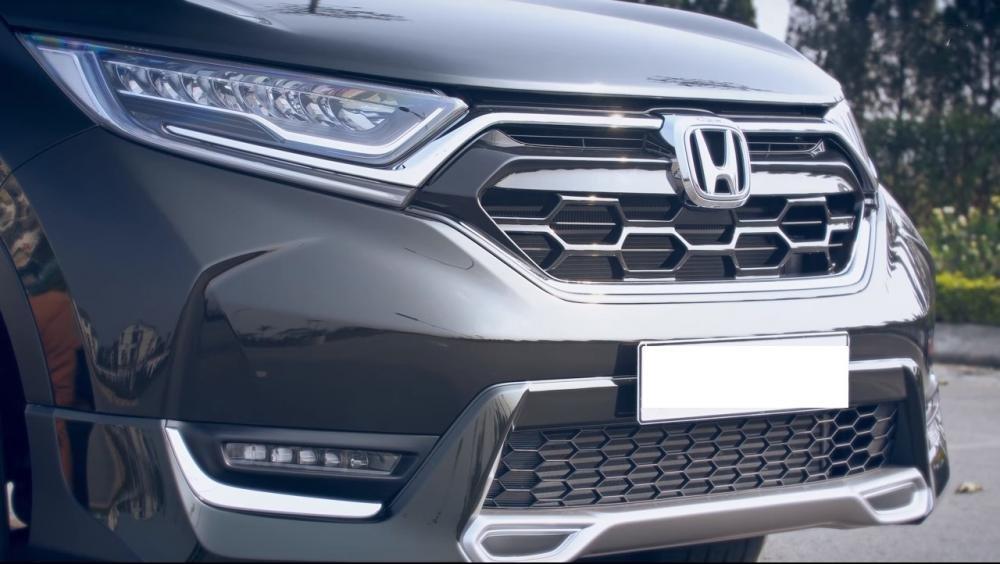 Ảnh chụp lưới tản nhiệt xe Honda CR-V L 2018