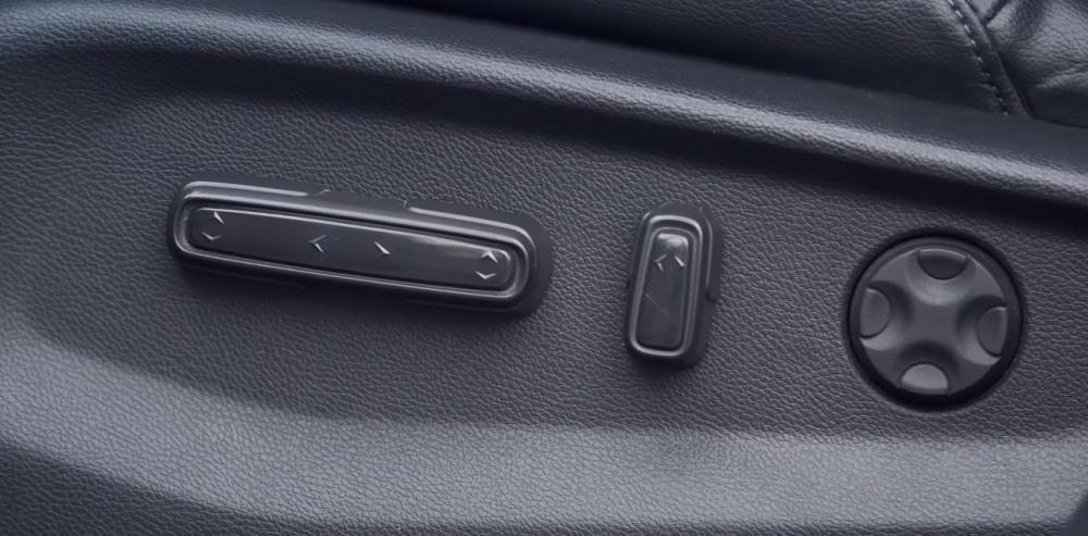 Ảnh chụp nút chỉnh điện xe Honda CR-V L 2018