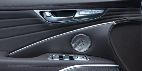 Đánh giá xe Kia K900 2019: Mặt trong cửa.
