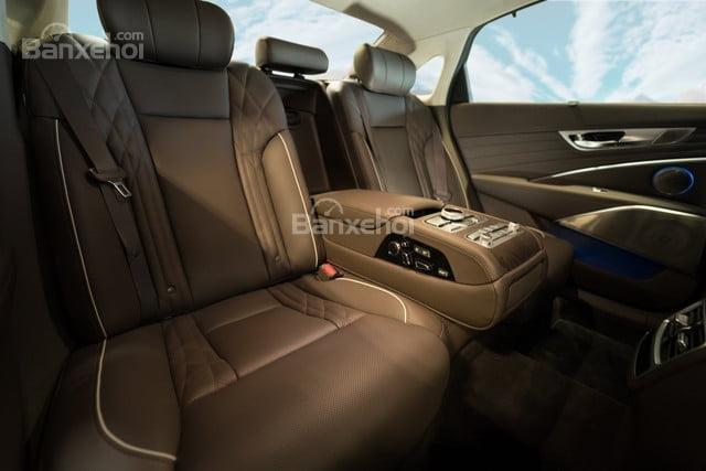 Đánh giá xe Kia K900 2019: Ghế ngồi bọc da.