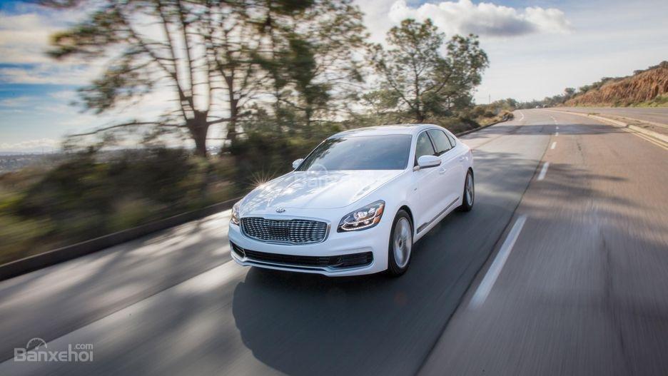 Đánh giá xe Kia K900 2019: Xe sẽ cho cảm giác lái tốt hơn.