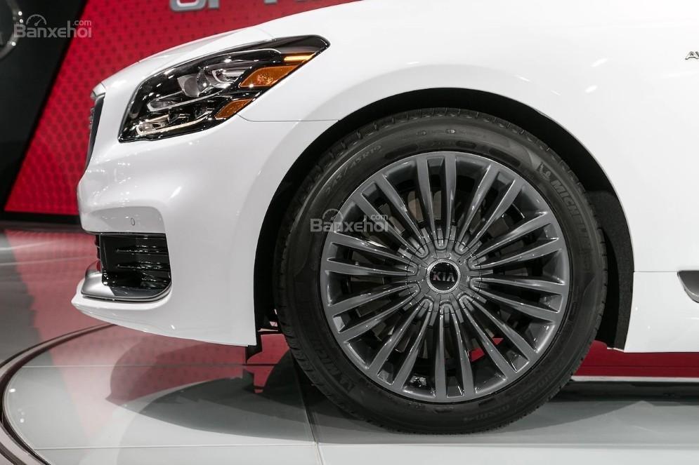 Đánh giá xe Kia K900 2019: Mâm xe.
