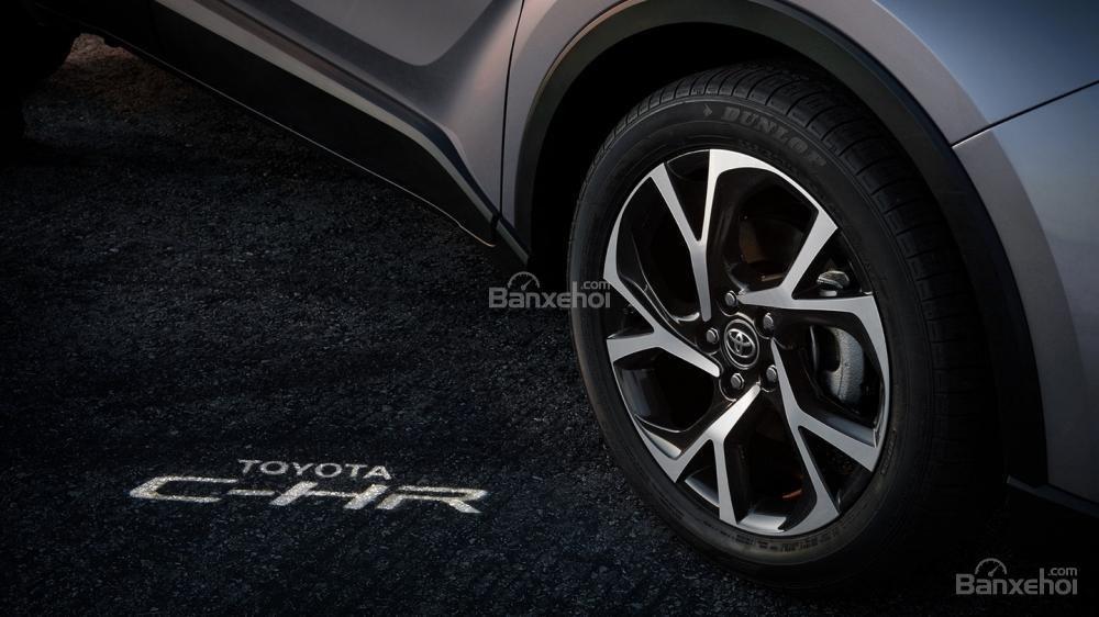 Toyota C-HR 2018 có kiểu dáng ngoại thất thời thượng - Ảnh a2