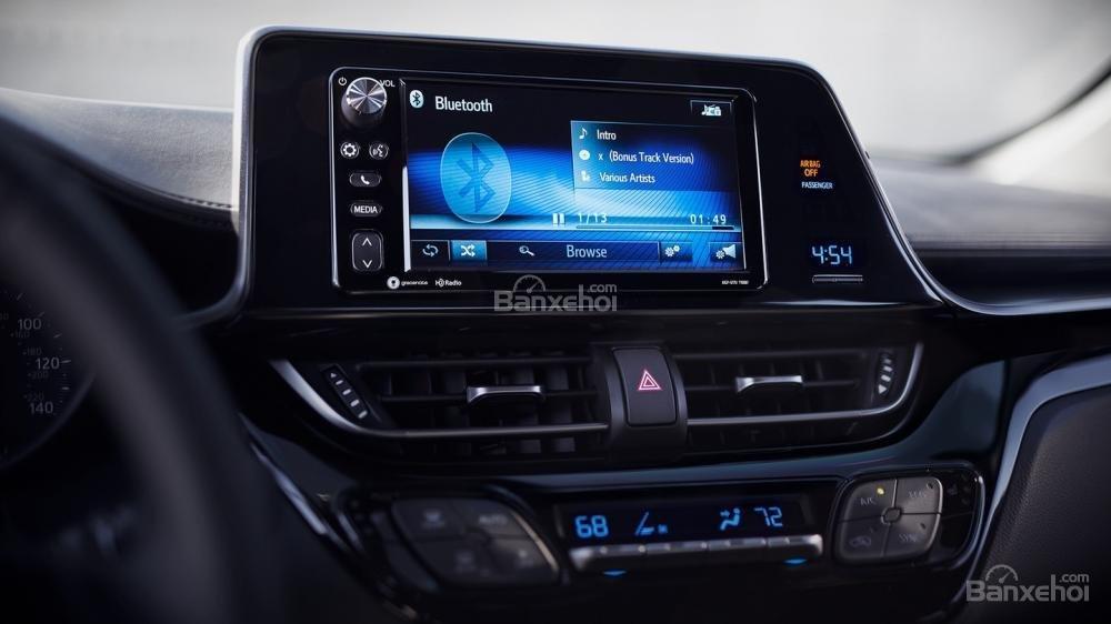 Ưu điểm Toyota C-HR 2018 a2