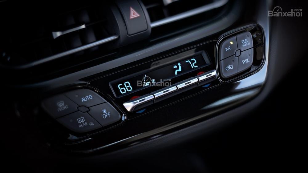 Ưu điểm Toyota C-HR 2018 a3