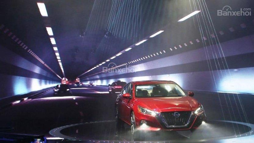 So sánh xe Nissan Altima 2019 và Honda Accord 2018 về cảm giác lái 2