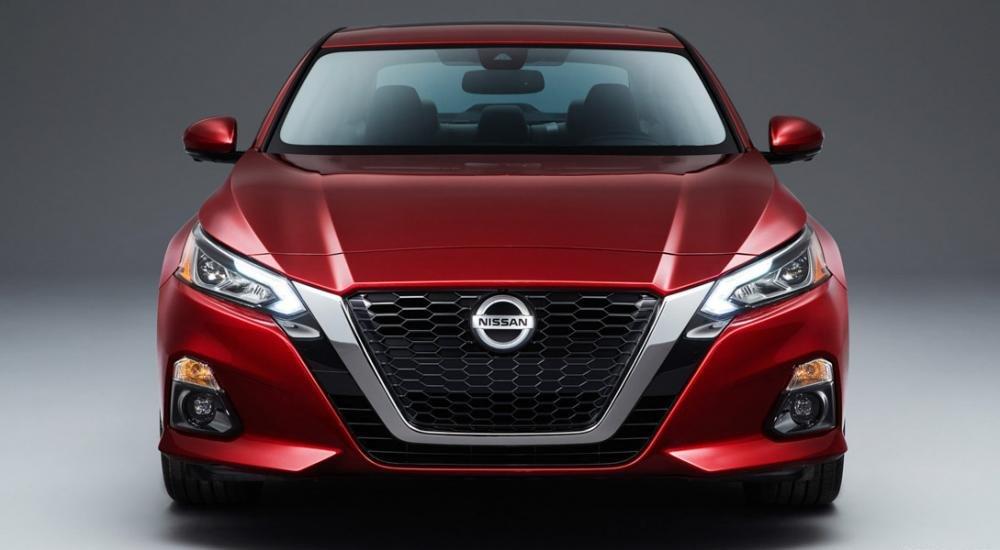 So sánh xe Nissan Altima 2019 và Honda Accord 2018 2