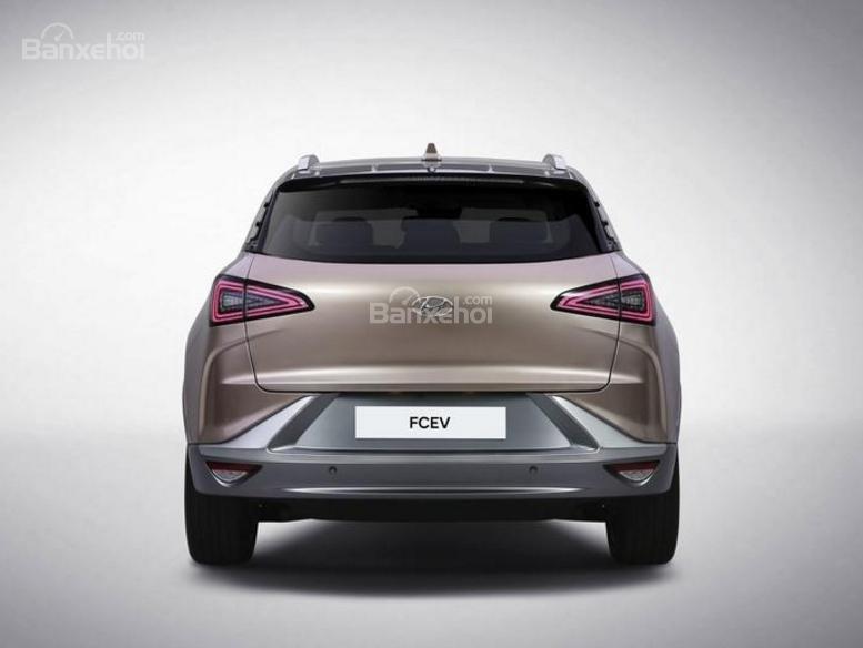 Đánh giá xe Hyundai Nexo 2019: Thiết kế đuôi xe gọn gàng z