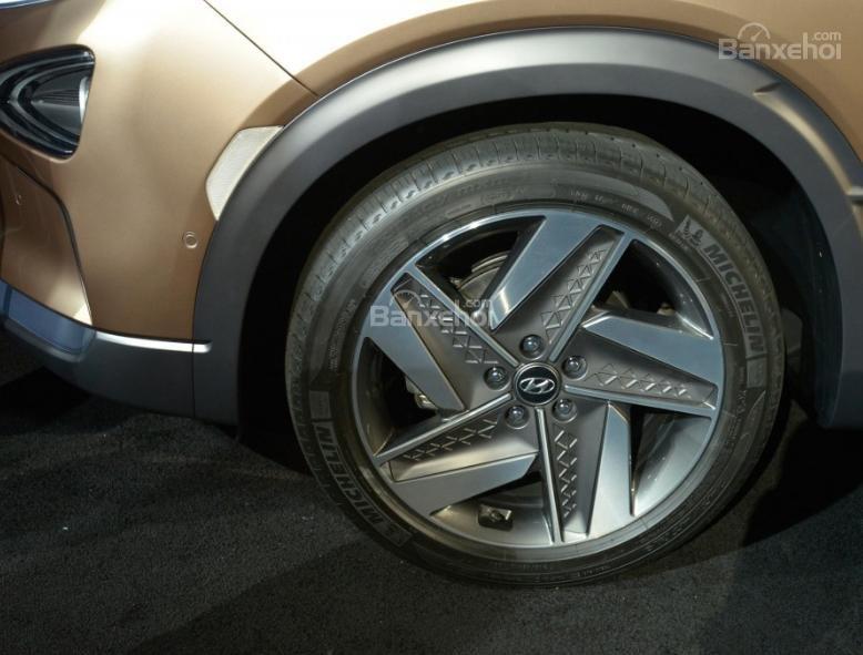 Đánh giá xe Hyundai Nexo 2019: La-zăng 5 chấu z