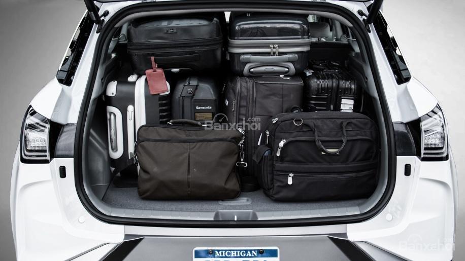 Đánh giá xe Hyundai Nexo 2019: Dung tích khoang hành lý đạt 839 lít z