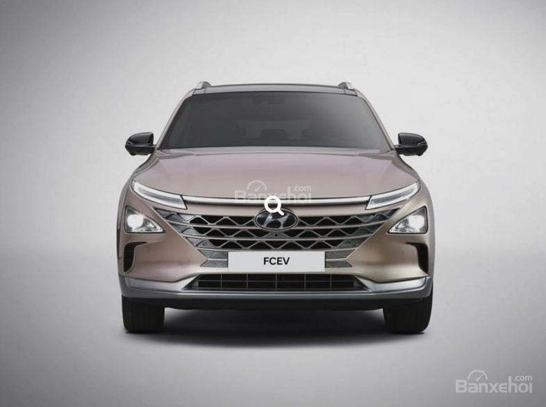 Đánh giá xe Hyundai Nexo 2019: Đầu xe khá giống Hyundai Kona thế hệ mới z