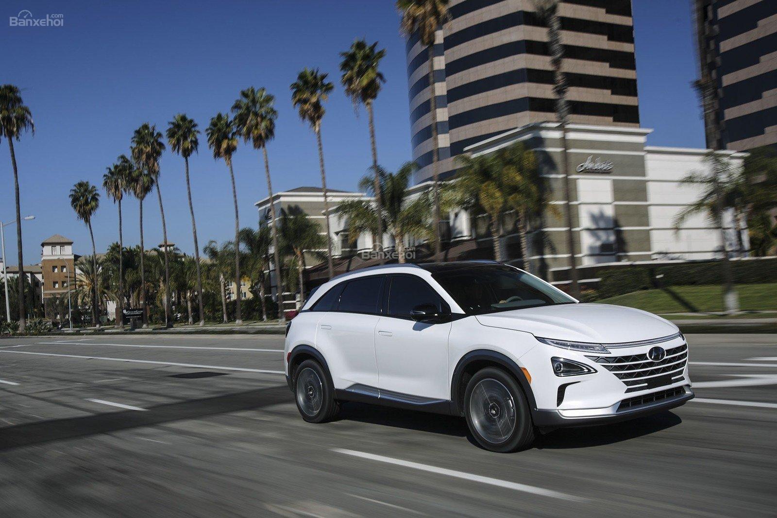 Đánh giá xe Hyundai Nexo 2019: Sở hữu nhiều công nghệ an toàn tiên tiến hiện nay 1a
