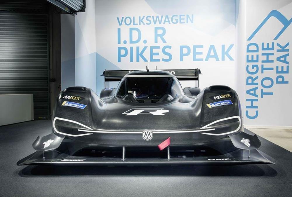 Siêu xe điện ''''''''thần tốc'''''''' Volkswagen I.D. R Pikes Peak chính thức trình diện 1