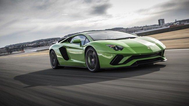 Điều gì tạo nên sự hấp dẫn cho Lamborghini Aventador S? a1
