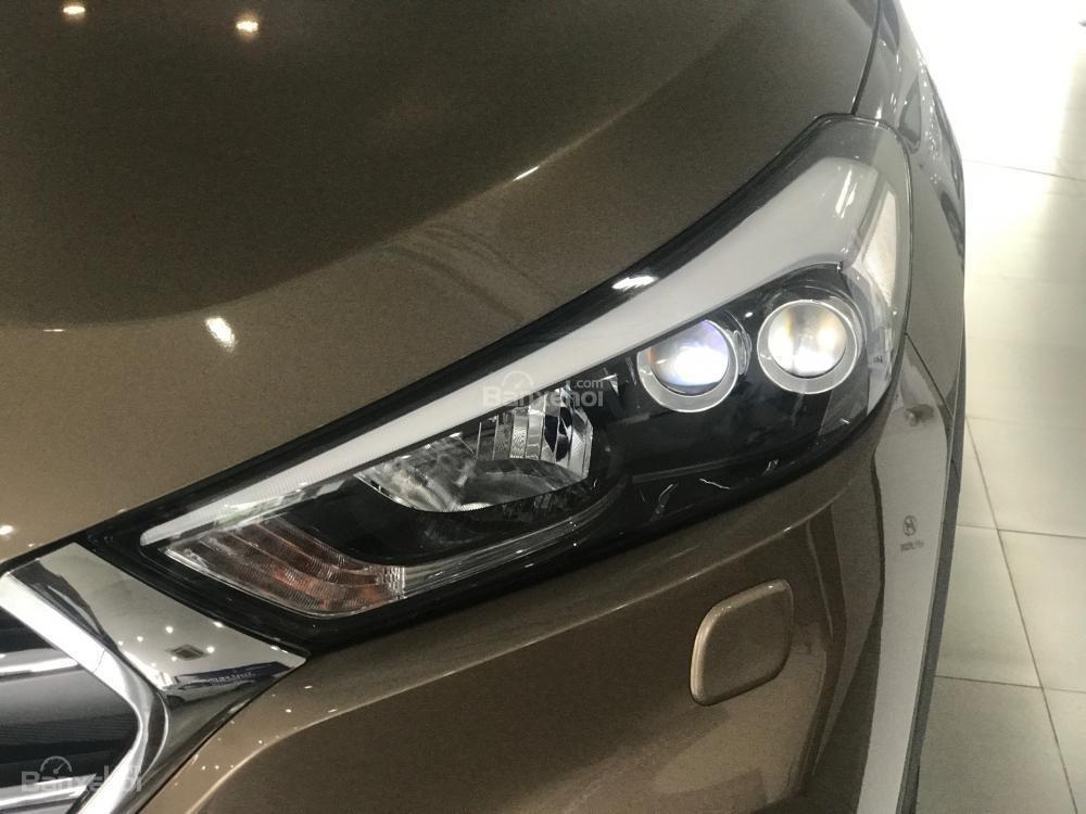 Bán xe Hyundai Tucson đời 2018, màu nâu, 765tr-1