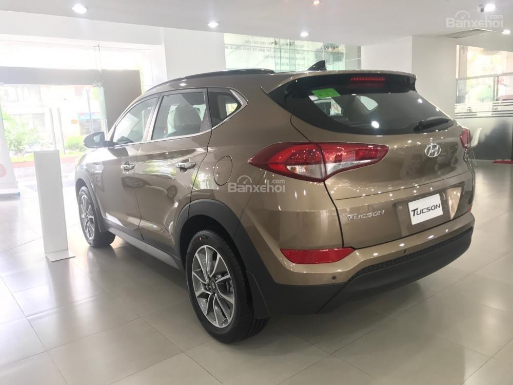 Bán xe Hyundai Tucson đời 2018, màu nâu, 765tr-3