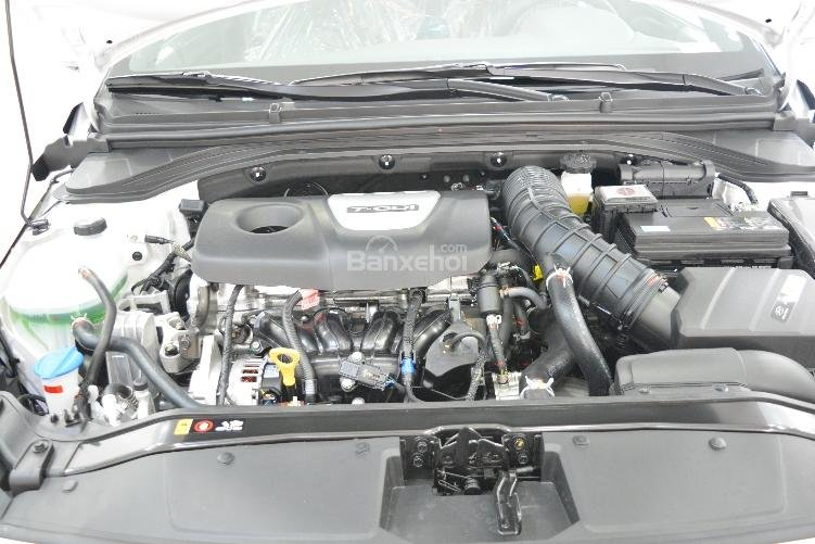 Bán xe Elantra 1.6 Turbo thể thao - Khuyến mãi hấp dẫn trong tháng-4