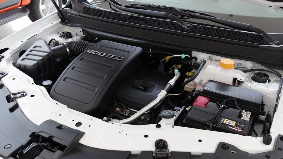 Chevrolet Captiva Revv 2018 cho cảm giác lái đầm chắc hơn nhưng Kia Sorento 2018 mạnh mẽ hơn 3