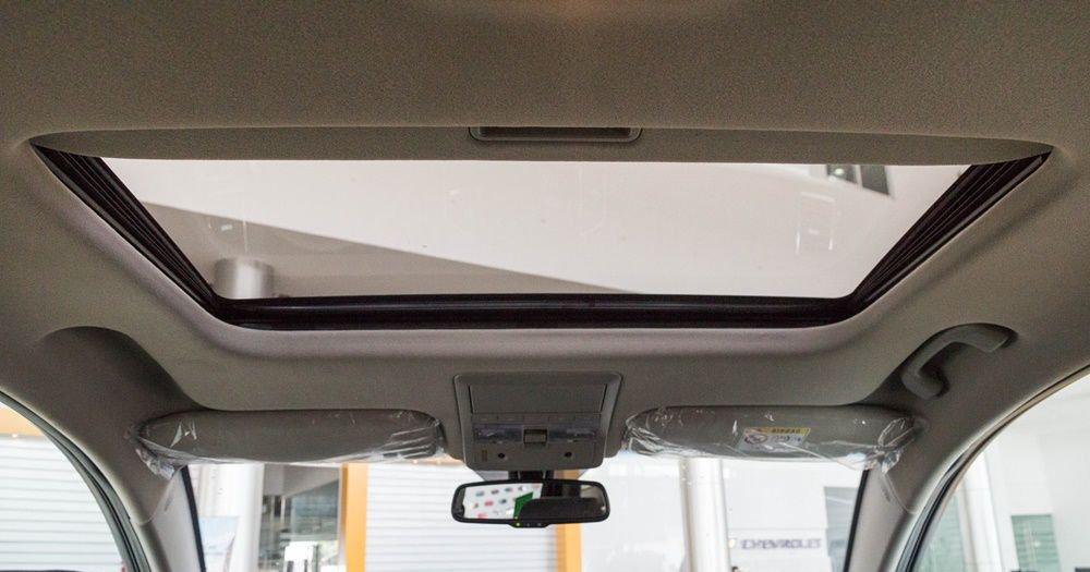 So sánh xe Chevrolet Captiva Revv 2018 và Kia Sorento 2018 về táp-lô 4