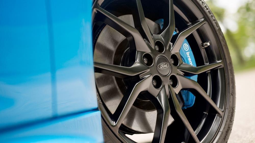 Ảnh chụp vành xe Ford Focus RS 2018