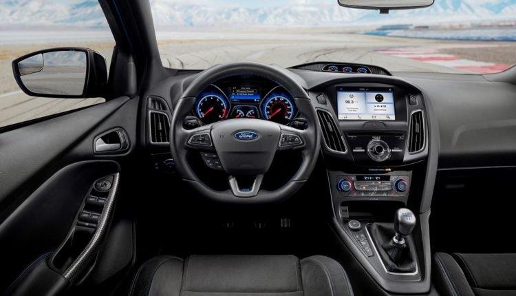 Ảnh chụp nội thất xe Ford Focus RS 2018