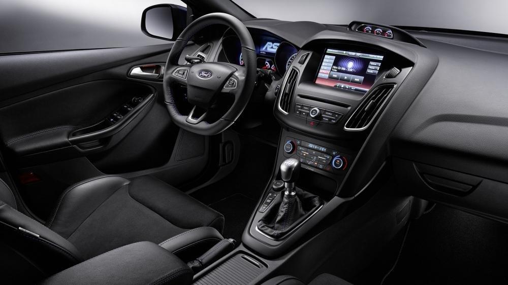 Ảnh chụp màn hình cảm ứng xe Ford Focus RS 2018