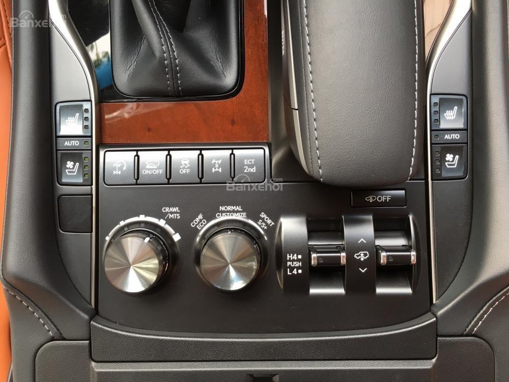 Bán xe Lexus LX Super Sports 570S, năm sản xuất 2018, màu đen, nhập khẩu (25)