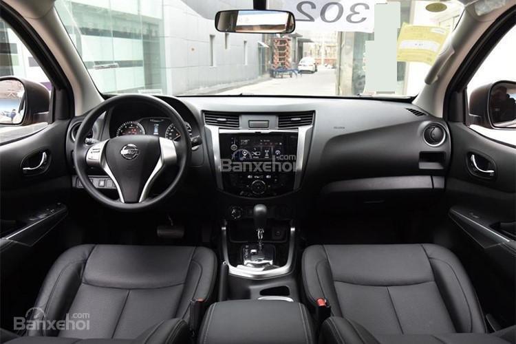 Đánh giá xe Nissan Terra 2018: Nội thất xe.